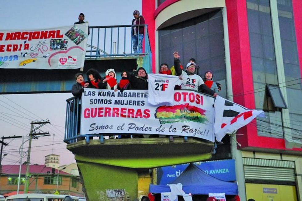 Varias plataformas del 21F están desde ayer en Potosí.