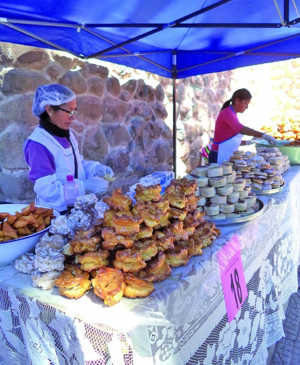 Los tradicionales productos llegaron a los pobladores.
