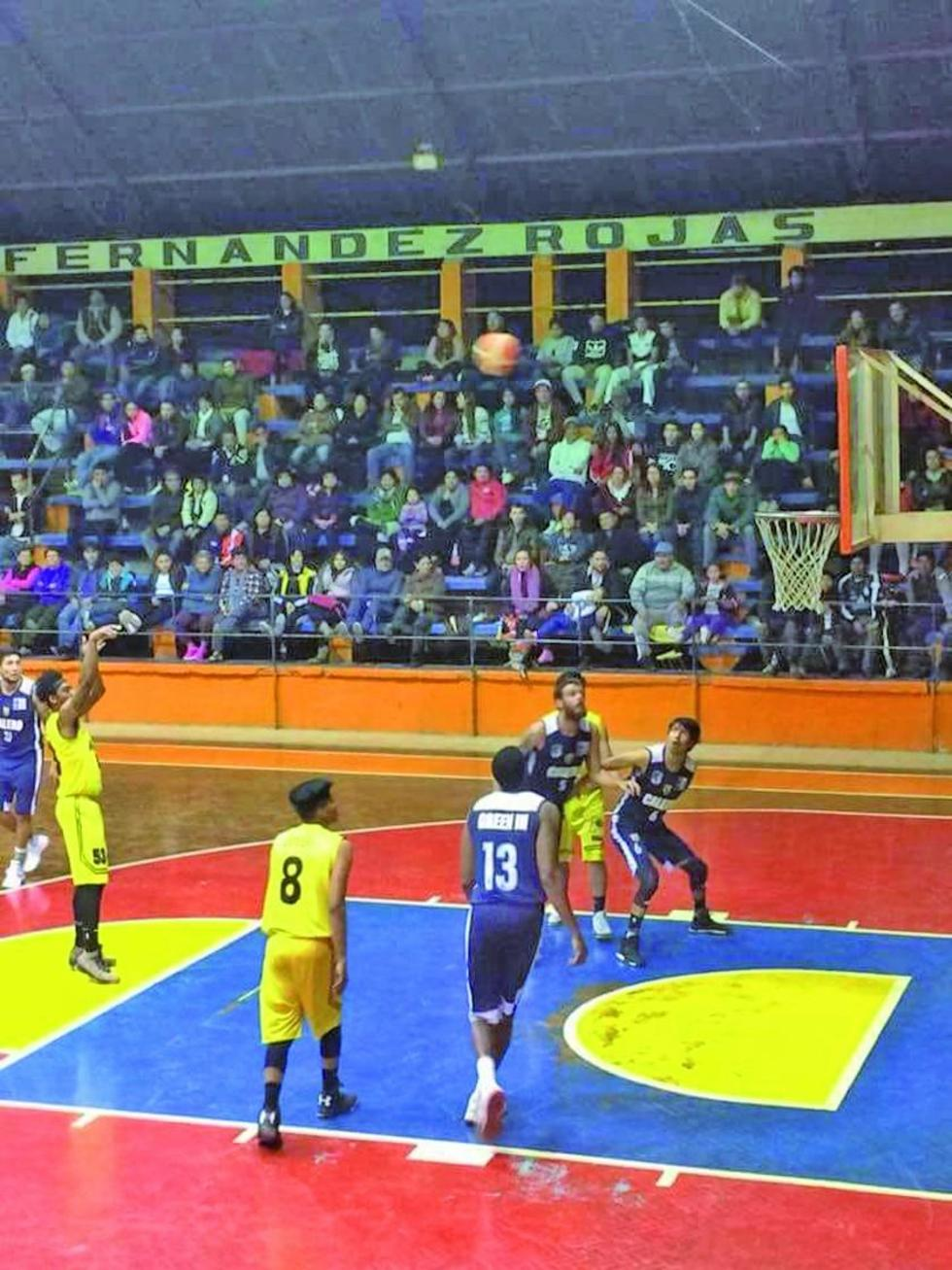 Calero gana  y Pichincha sigue vivo en la Liga de básquet