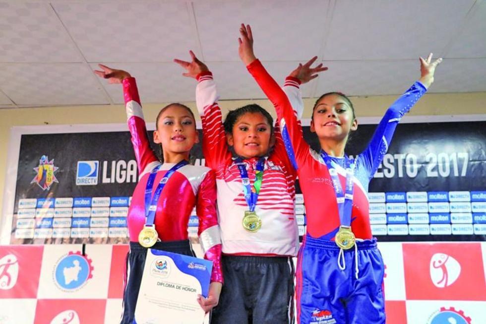 Las vencedoras Bianca Dorado, Arleth Cárdenas y Nicol Alvares.