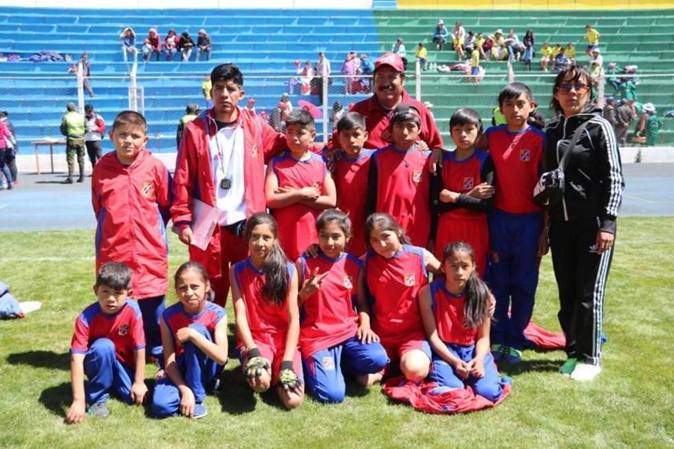 La delegación de Cotagaita se coronó campeón en la disciplima de atletismo.