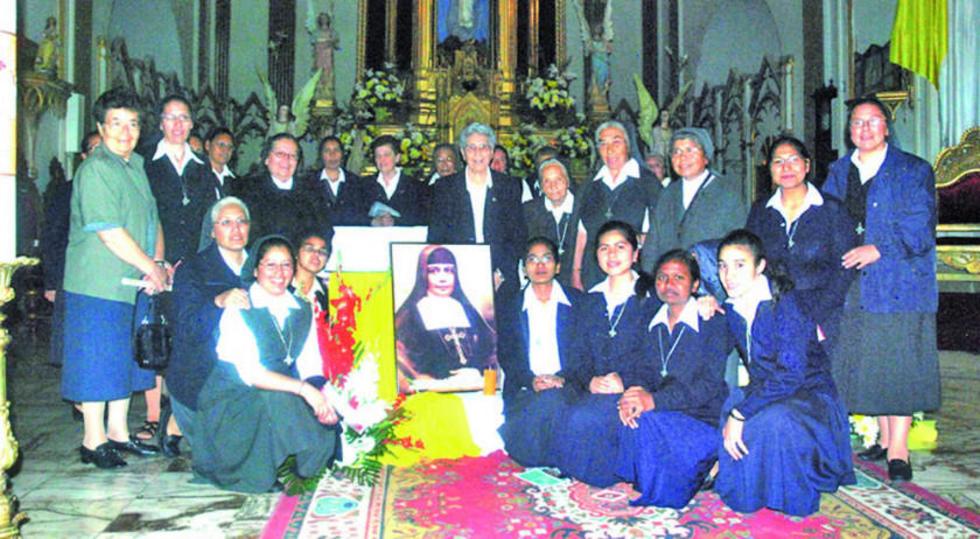 En todo el país se desarrollan labores de apoyo a la canonización.
