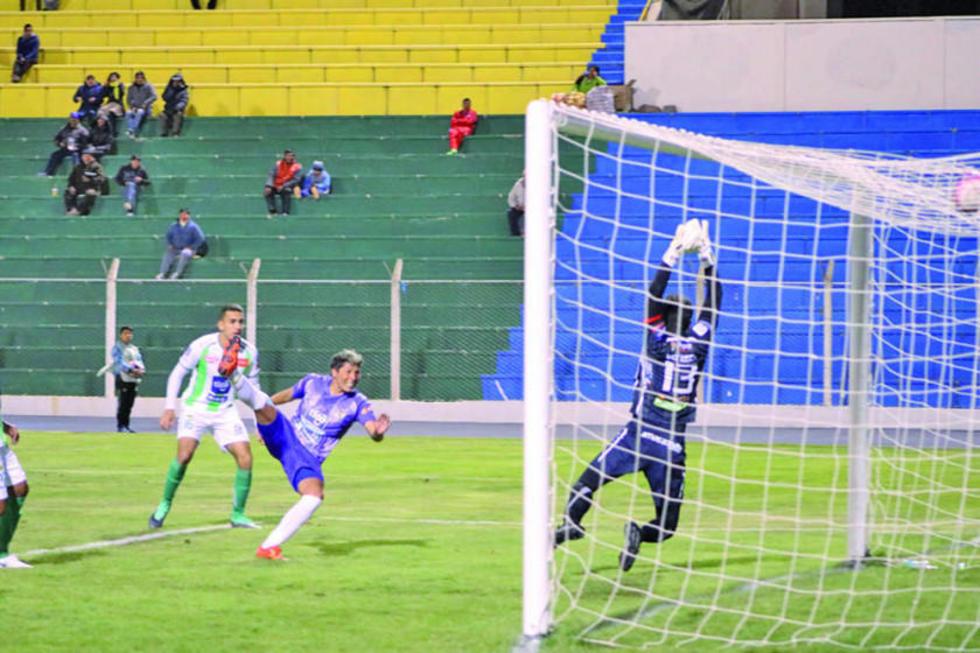 La jugada en la que Fernando Adrían anota el único gol del cotejo.