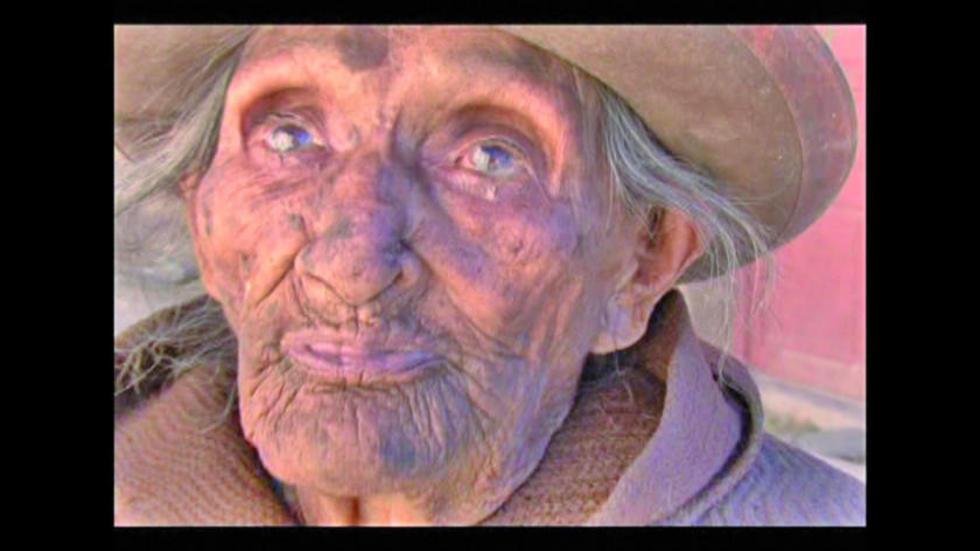 La viejita que contó la historia.