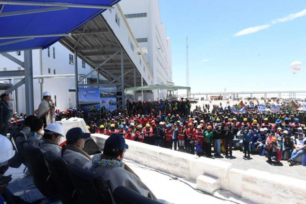 El acto de inauguración de la planta de cloruro de potasio en el Salar de Uyuni.