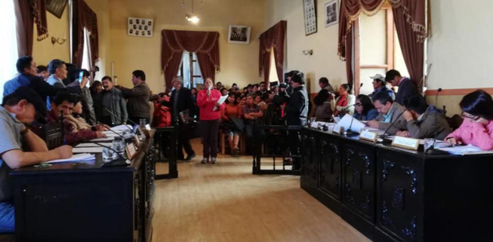 Concejales recibieron a los comerciantes ayer en una audiencia.