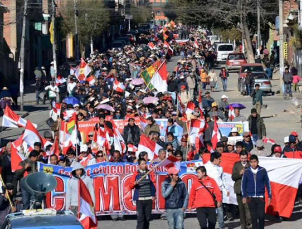 Cívicos demandan la modificación de la Constitución Política