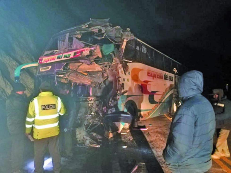 El chofer de este bus está gravemente herido.
