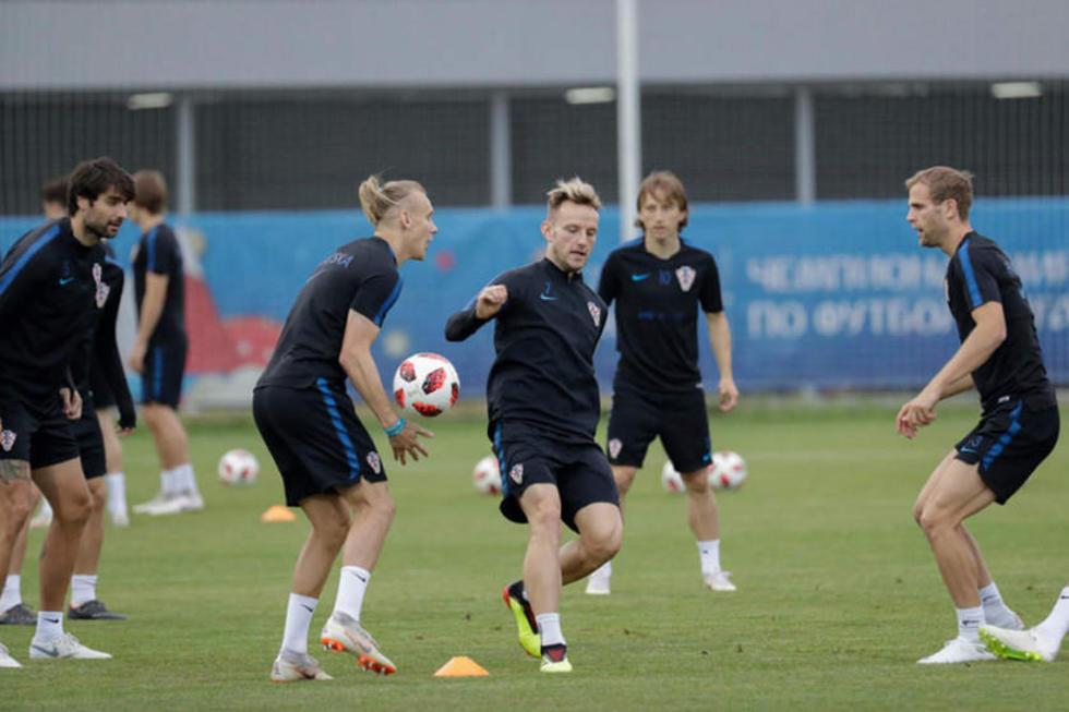 Los jugadores croatas, durante su práctica.