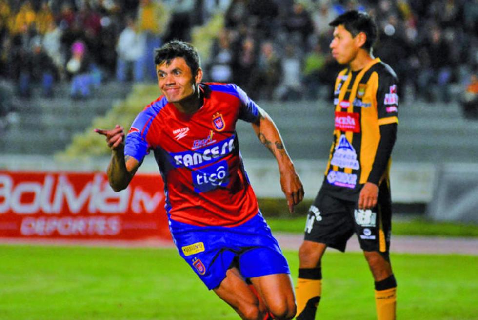 Oscar Díaz celebra el segundo tanto de los locales.