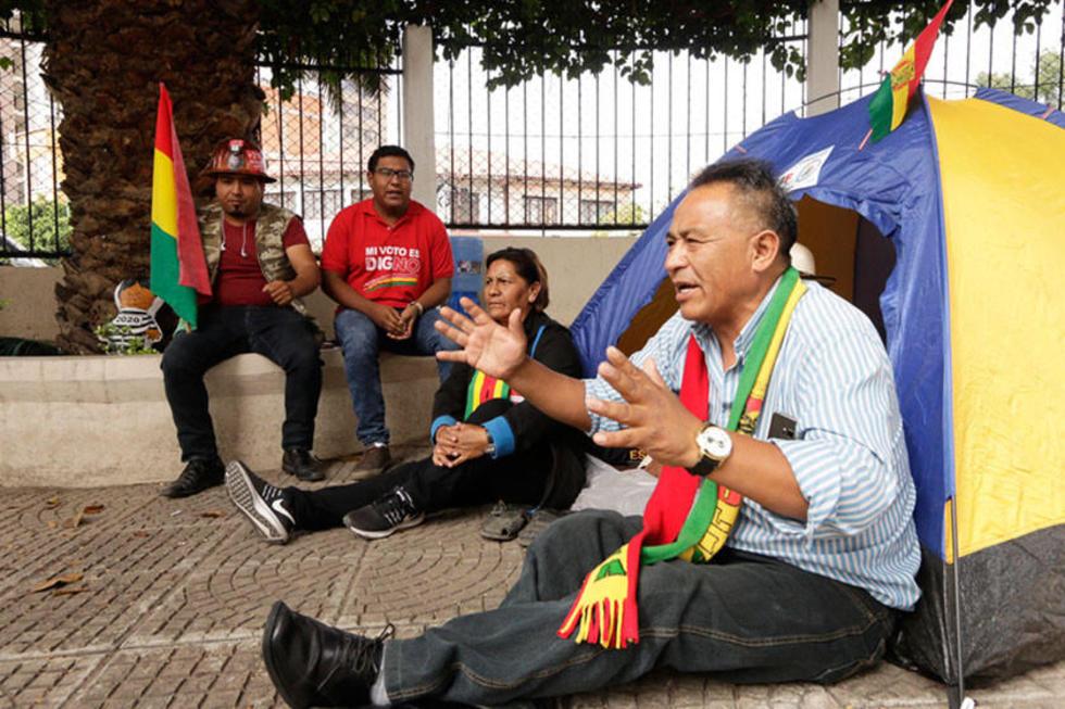 Cívicos activan huelga de hambre contra la repostulación de Evo