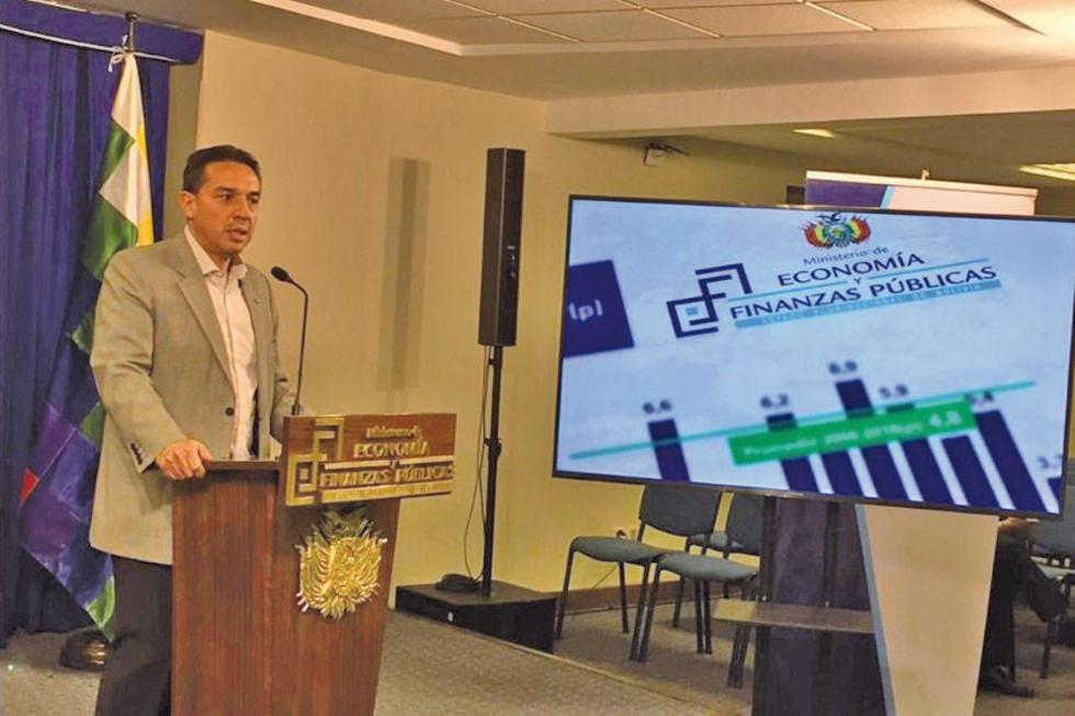 El titular del Minsiterio de Economía y Finanzas Públicas, Mario Guillén.