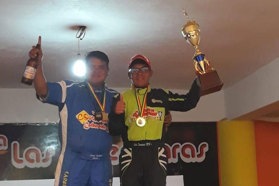 Jhon Garnica junto a Luis Sandoval.