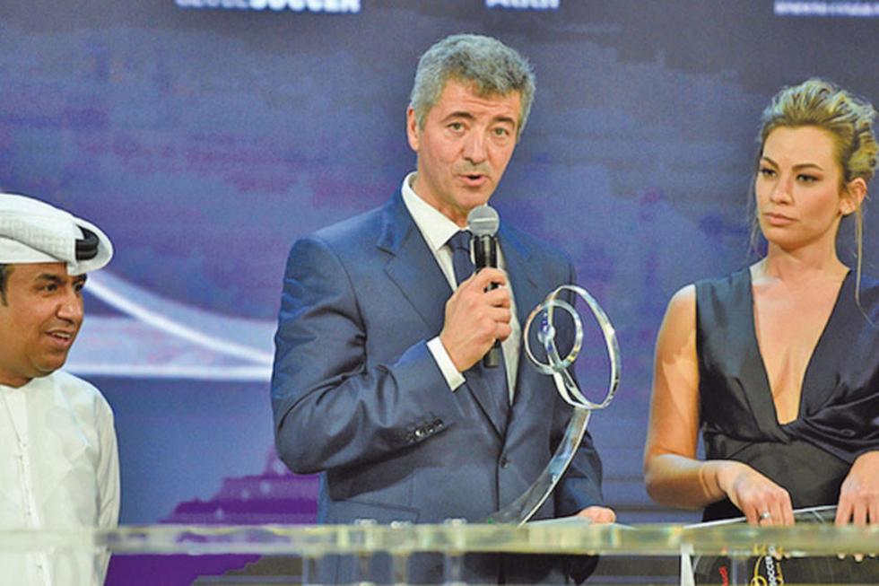 Miguel Gil Marín recoge el premio para Atlético.