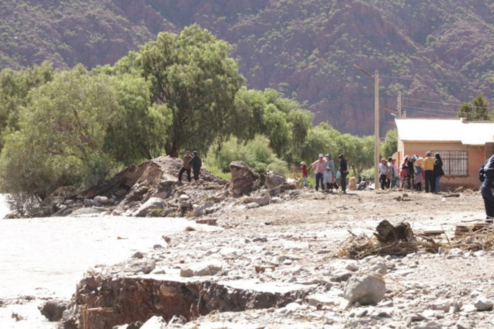 Las crecidas de ríos afectan a varias regiones del departamento.