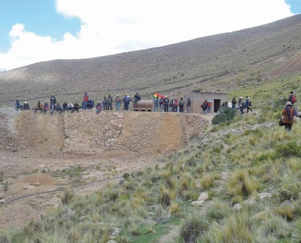 Comunarios toman mina de plata en el municipio de Chaquí