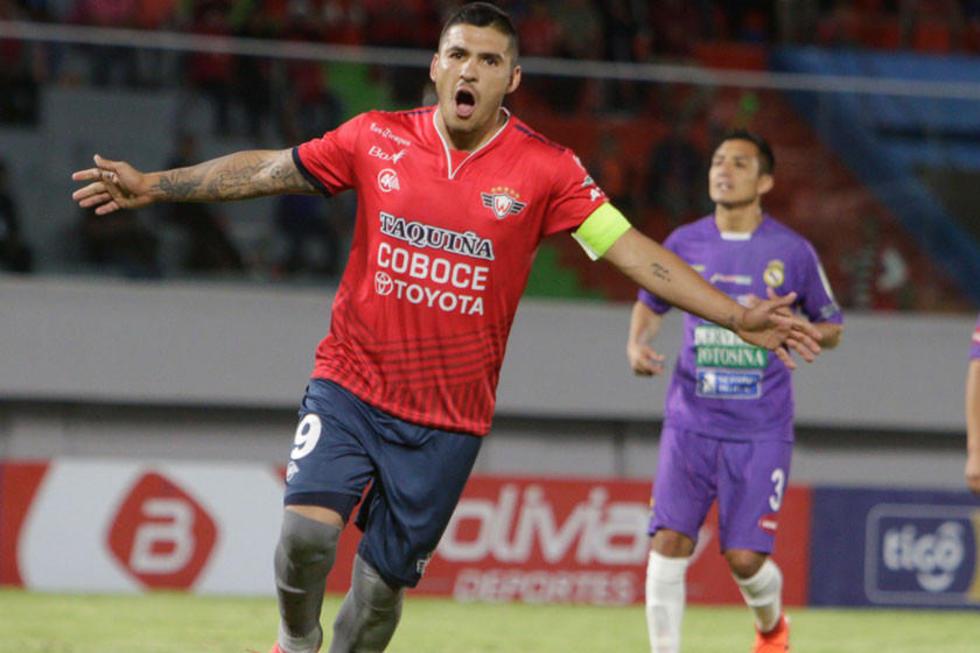 Cristian Chávez, de Wilstermann celebra su gol.