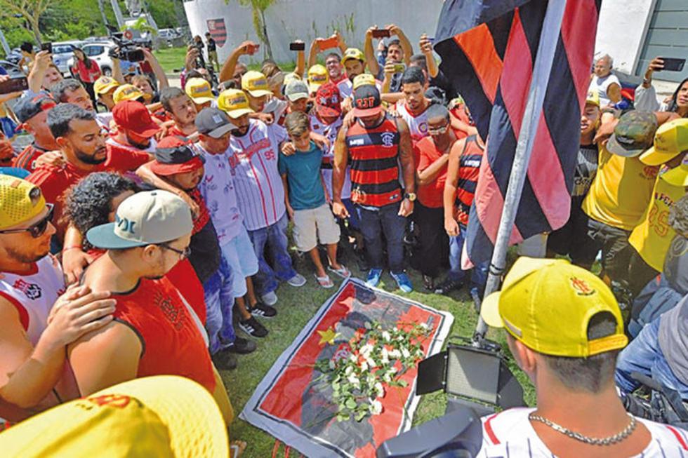 El club brasileño llora por la muerte de sus jugadores y trabajadores.