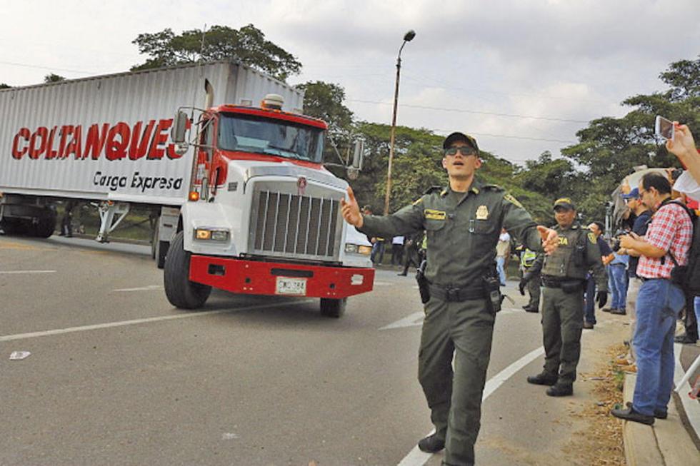 Los venezolanos organizan una eventual ayuda del exterior
