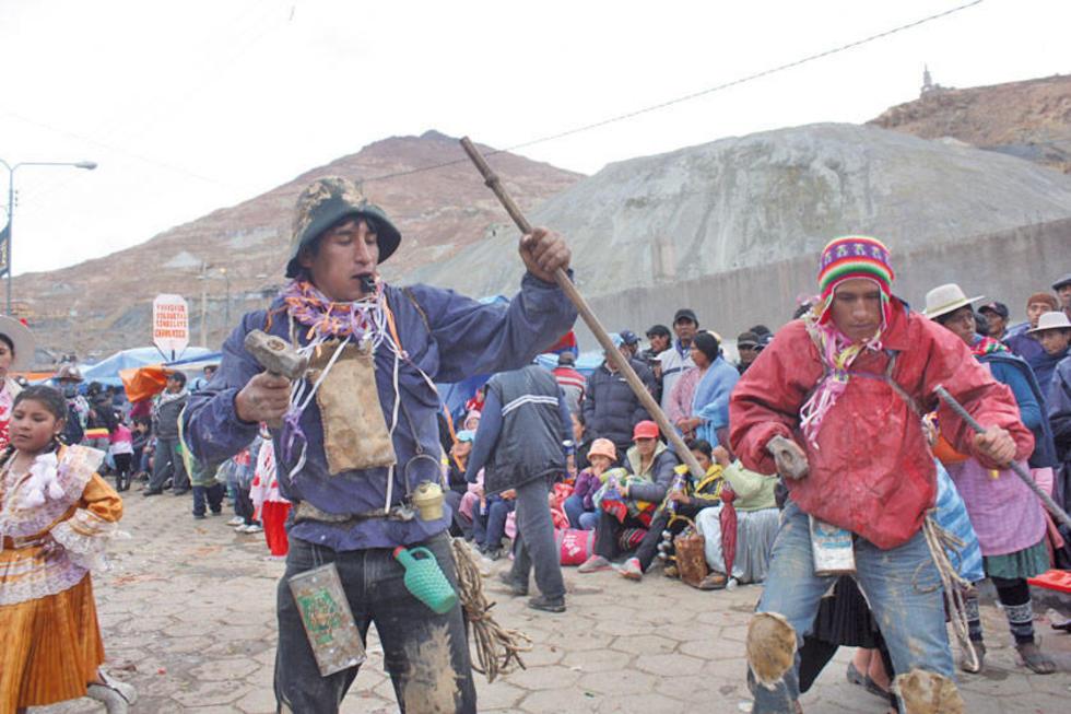 La entrada del Carnaval Minero.
