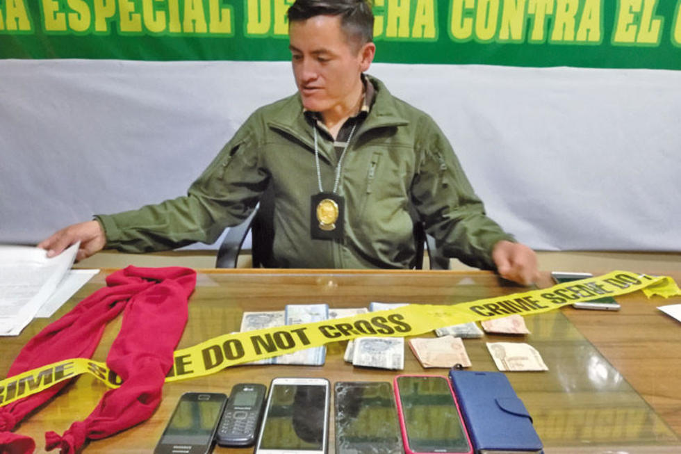 Caen ladrones que robaban celulares a las personas ebrias