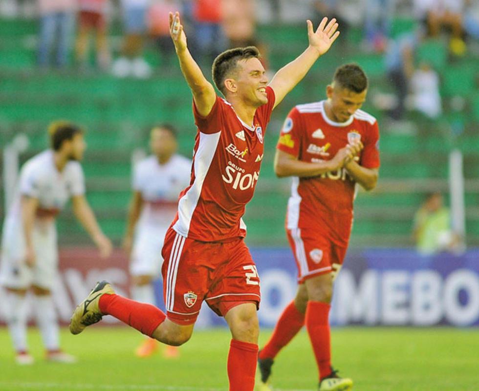 Royal Pari suma tres puntos en Sudamericana