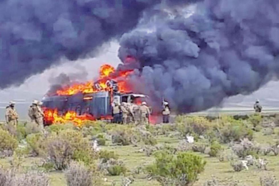 Según informe no se conocen quiénes incineraron los vehículos.