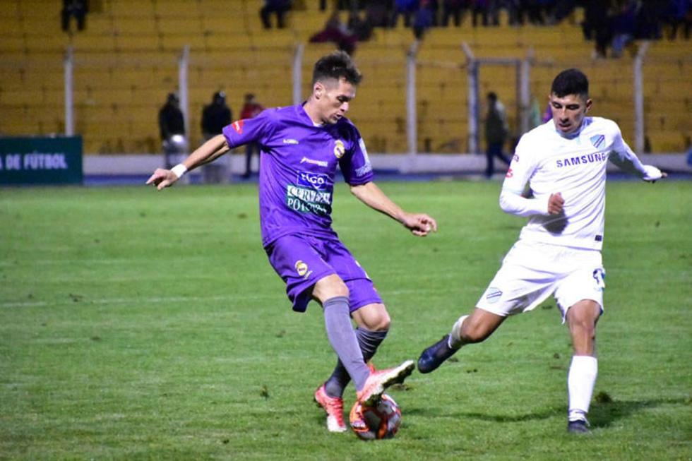 Mariano Berriex se enfrenta a un rival.