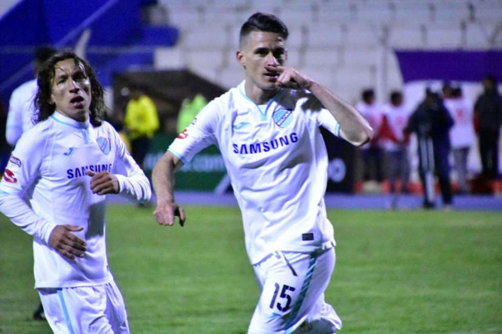 Carlos Gómez y Juan Miguel Callejón festejan el gol.