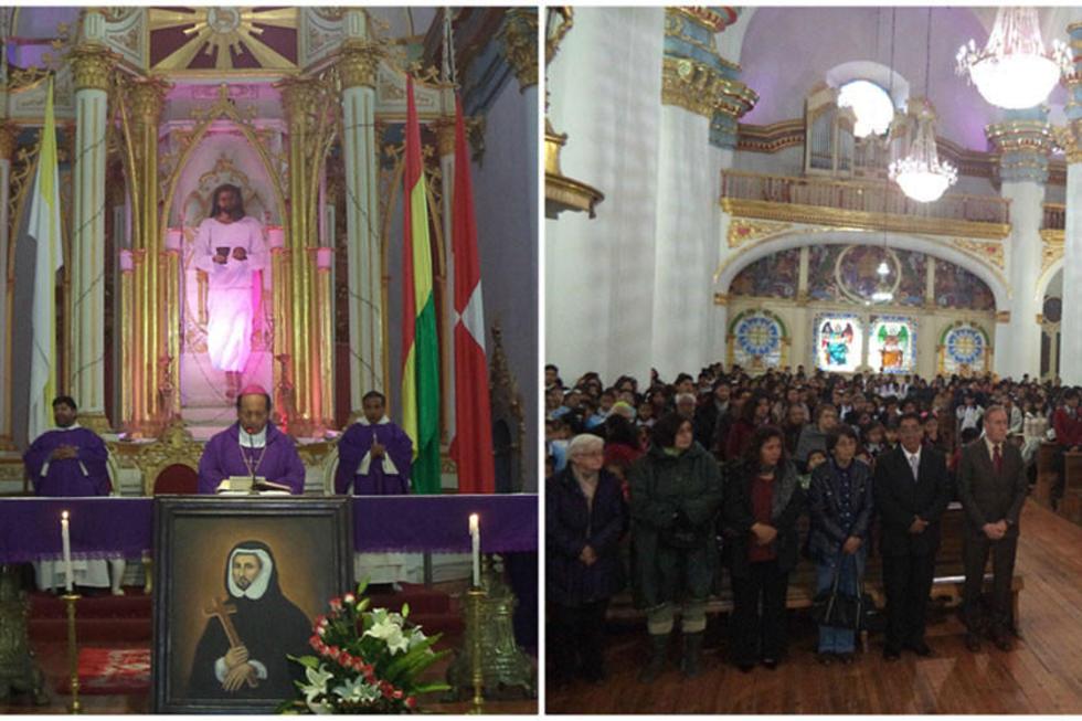 La celebración religiosa fue presidida por monseñor Ricardo Centellas.  La Santa Basílica Catedral estuvo llena