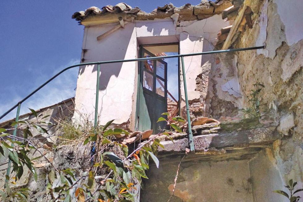 Se evidencia el nivel de deterioro de la casa.