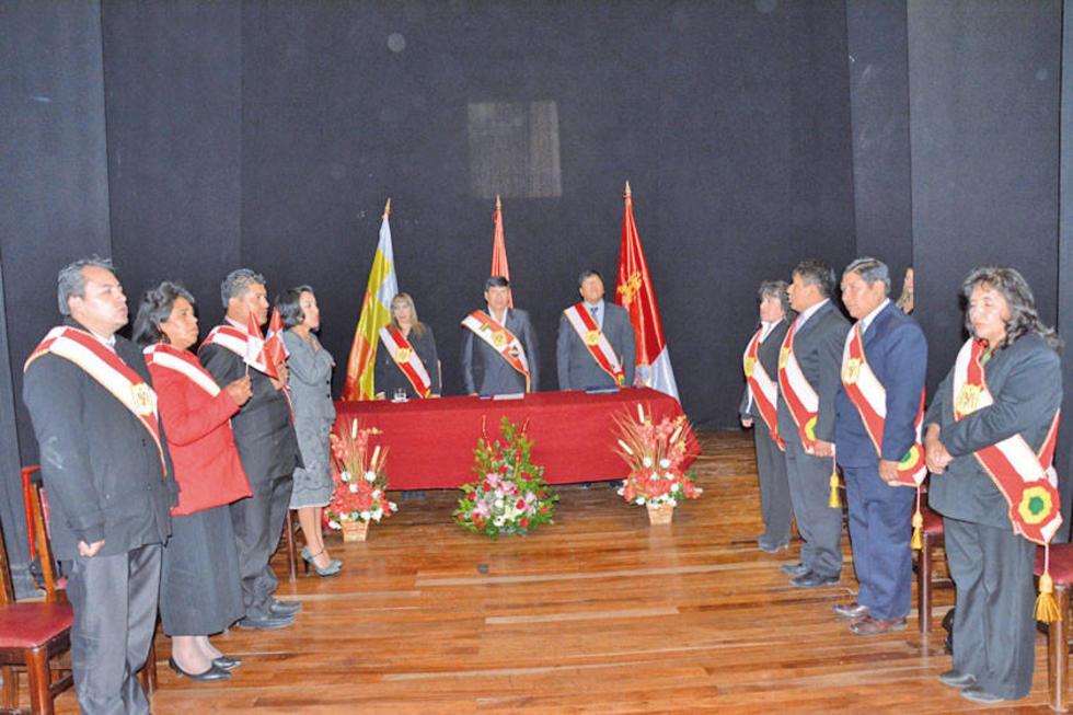 La sesión de honor está a cargo del Concejo Municipal.