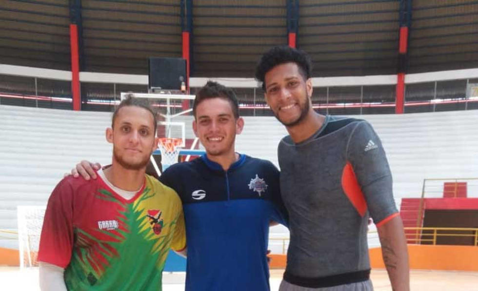 De izq. a der. Adriano Barreras, Emilio Cappare y Javinger Vargas.