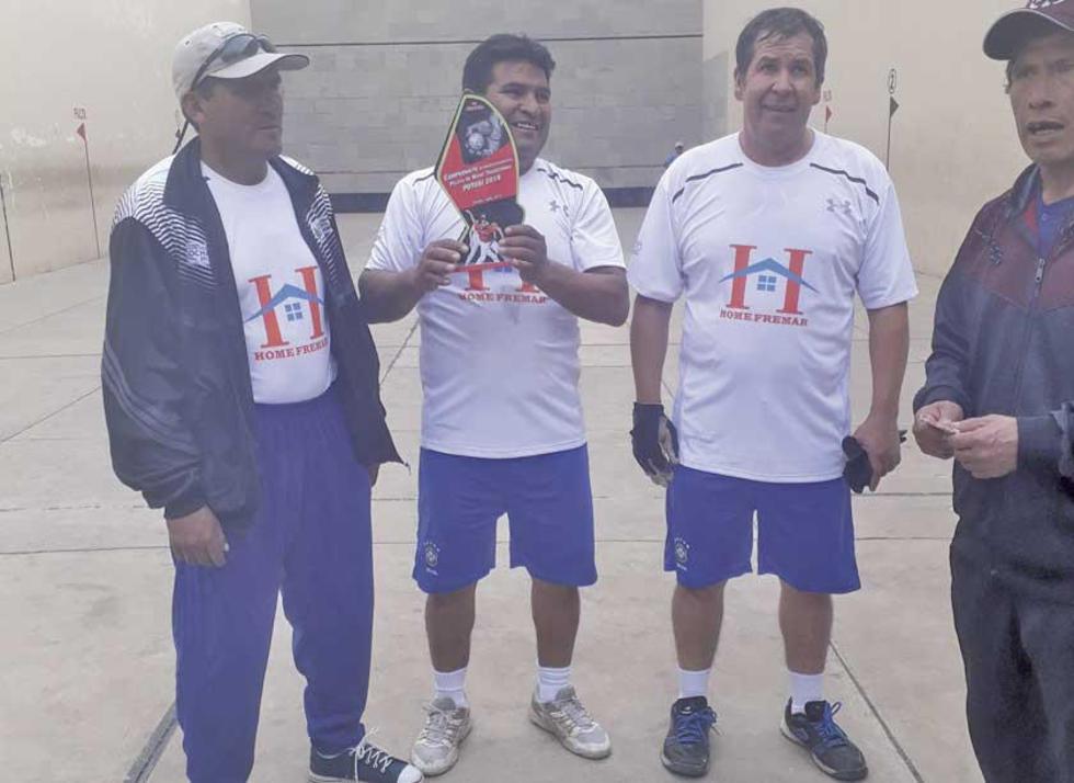 Arturo Vargas, Gonzalo Vargas y Arilson Mercado campeones en Master 45 años.