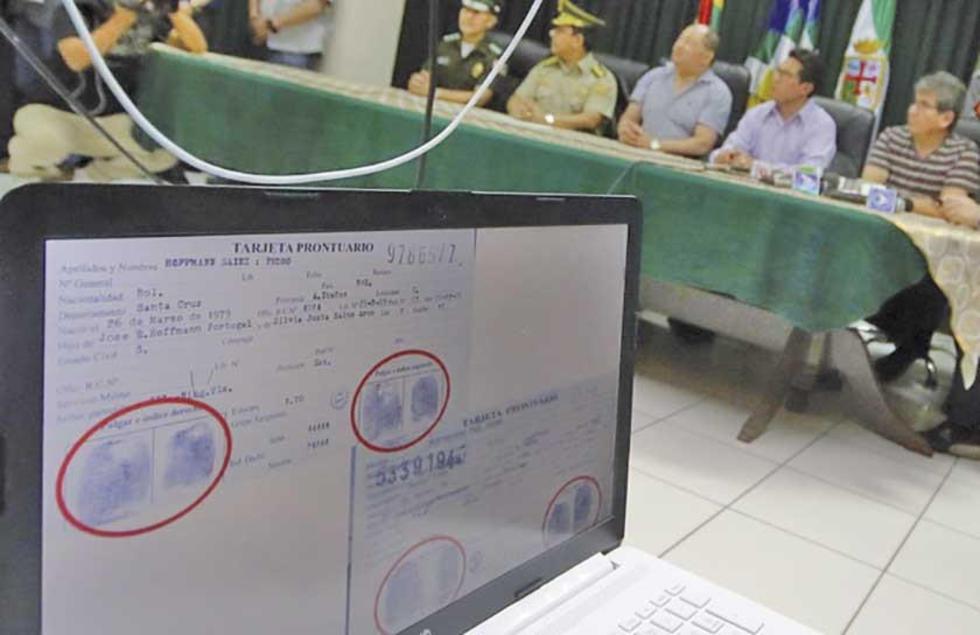 Anunciaron que se investigará a los funcionarios que facilitaron los documentos de identificación.