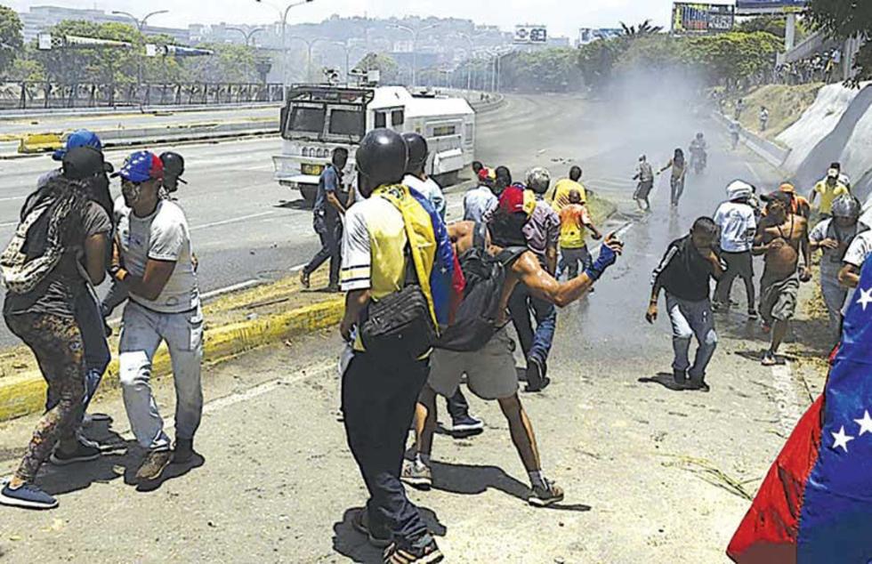 Conmebol suspende el partido de Estudiantes y Argentinos por la crisis en Venezuela