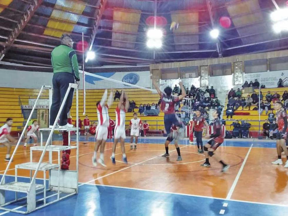 En semifinales Nimbles venció por 3-0 a Juan XXIII, de Tarija.