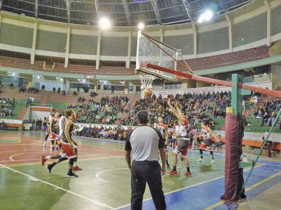 Nacional impuso su juego en la sede de Gobierno.