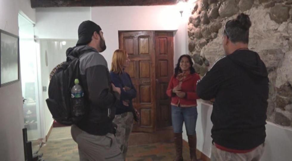Decenas de turistas visitan diariamente el museo.