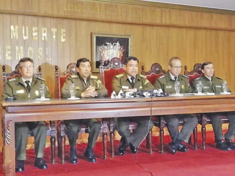 El Alto Mando Policial, en conferencia de prensa.