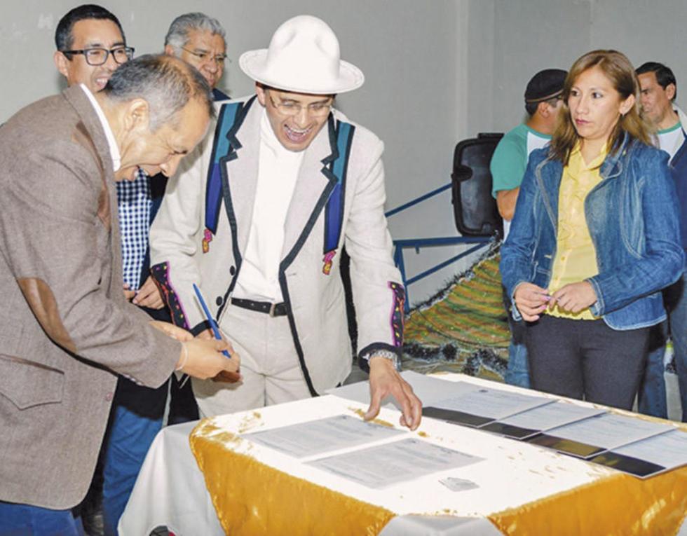 En Betanzos firmaron convenios para estudio de la papa