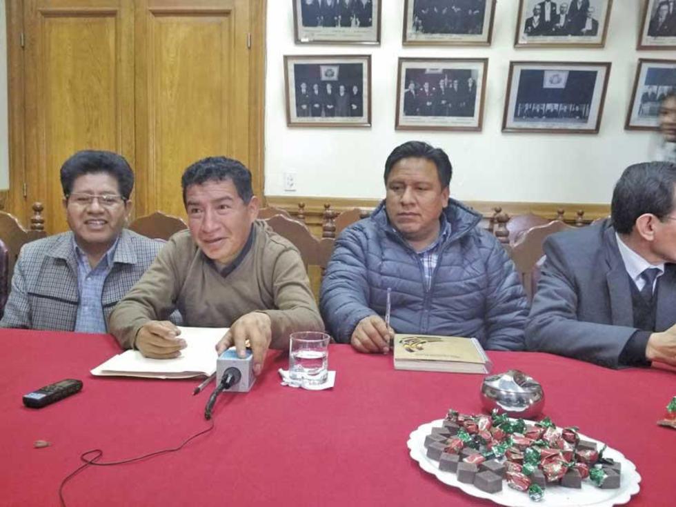 Anunciaron el acuerdo en conferencia de prensa pero sin la Gobernación.