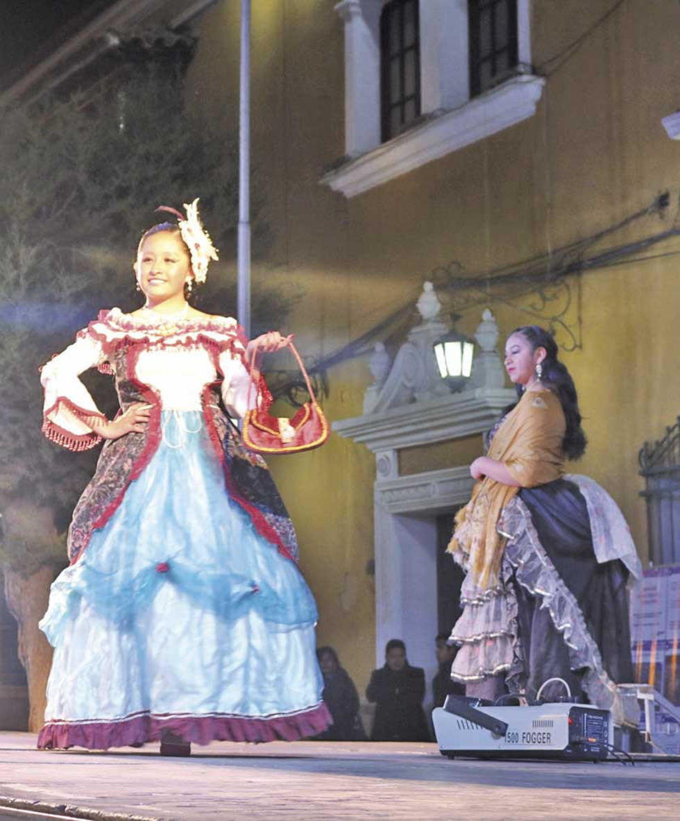 Los trajes de las damas potosinas rememoraban el siglo XVII.