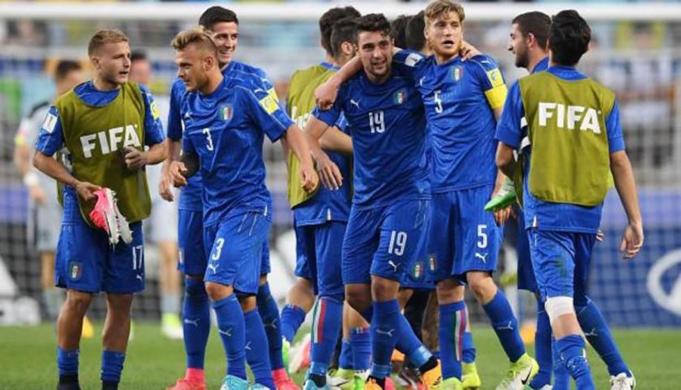 Los futbolistas de la selección italiana.