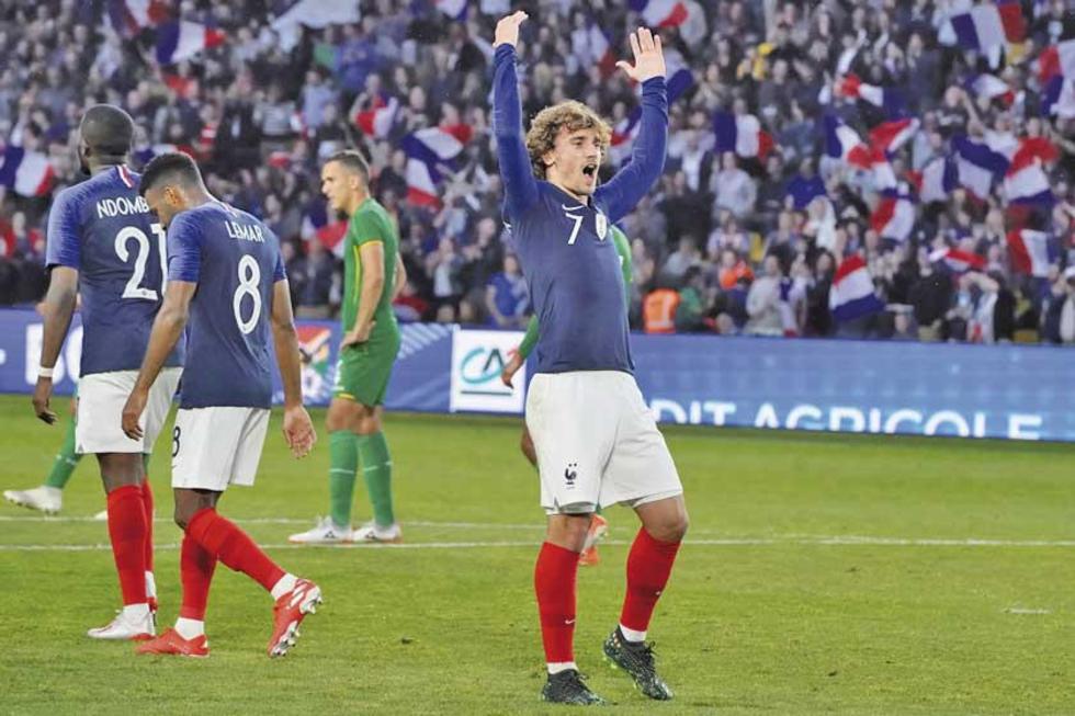 Antoine Griezmann, de Francia, celebra el segundo tanto del campeón del mundo.