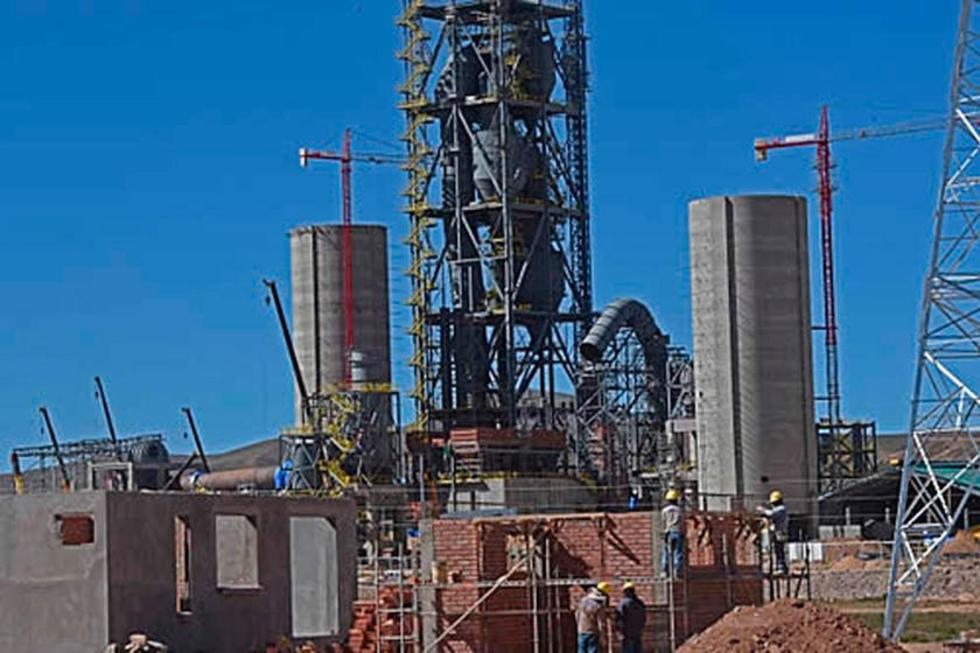 Las instituciones están obligadas a utilizar el cemento de Potosí