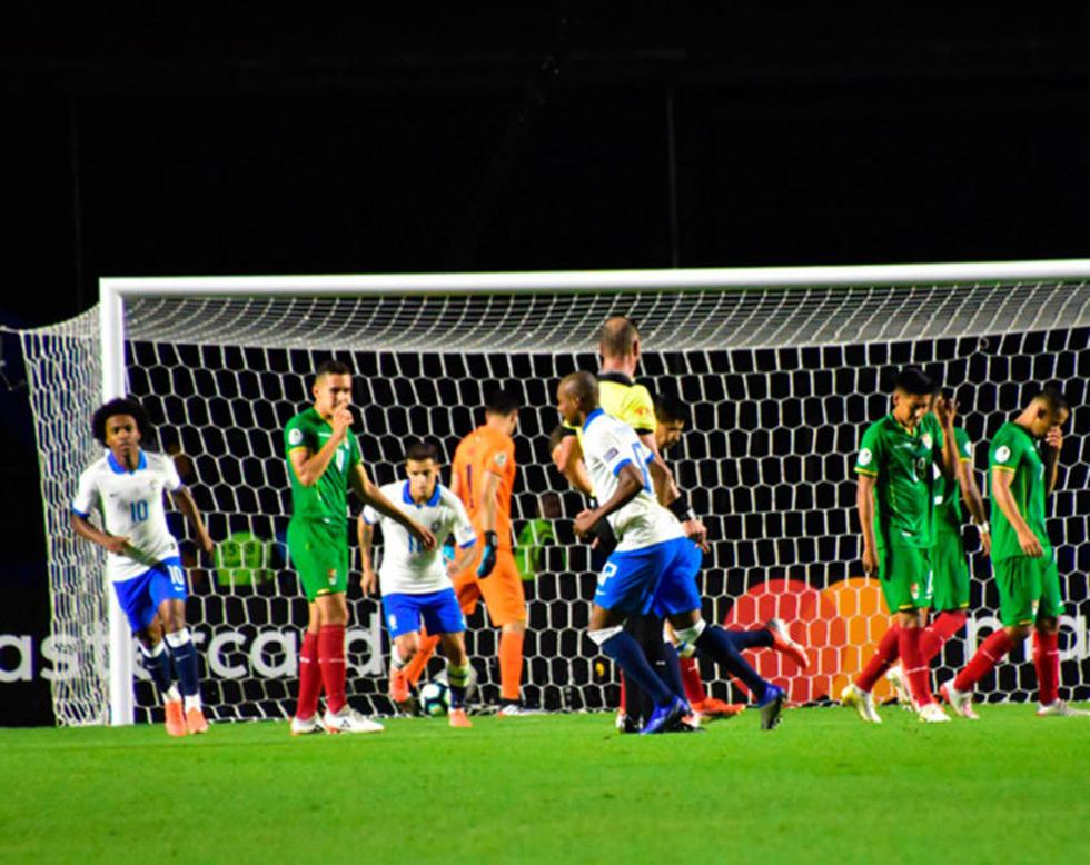Brasil hace sentir todo su peso en partido con Bolivia