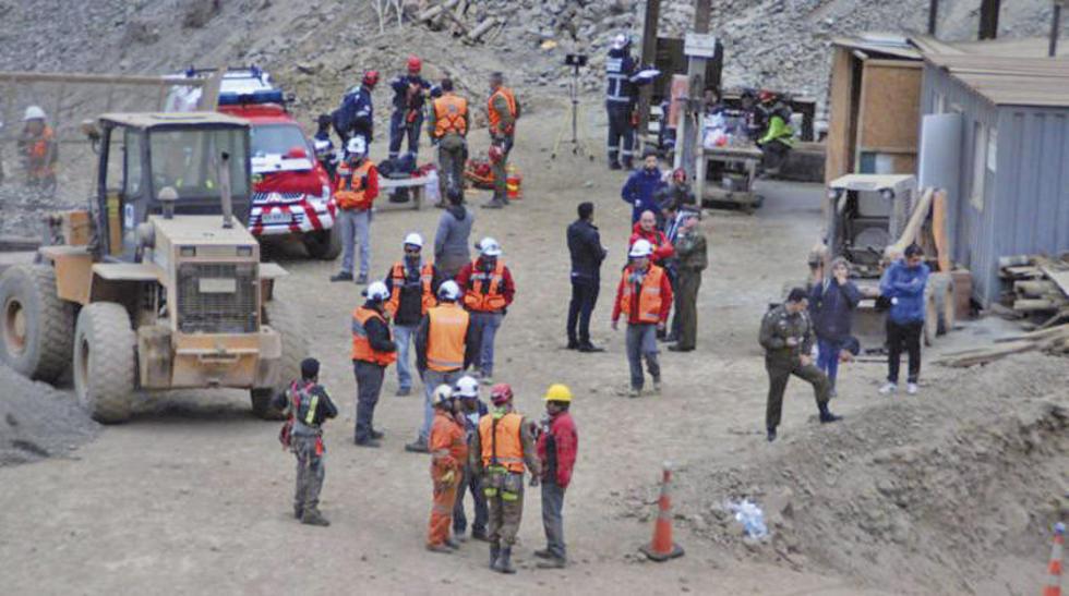 Los rescatistas chilenos que buscaron a los tres mineros atrapados.