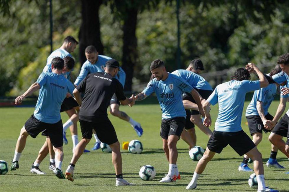 Uruguay pone en juego ante Japón su etiqueta de favorita para la Copa América