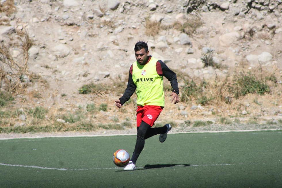 El futbolista chuquisaqueño Saúl Torres.